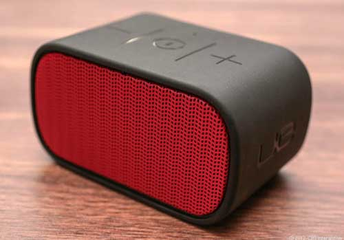 logitech ue mini boom portable Bluetooth speakerh