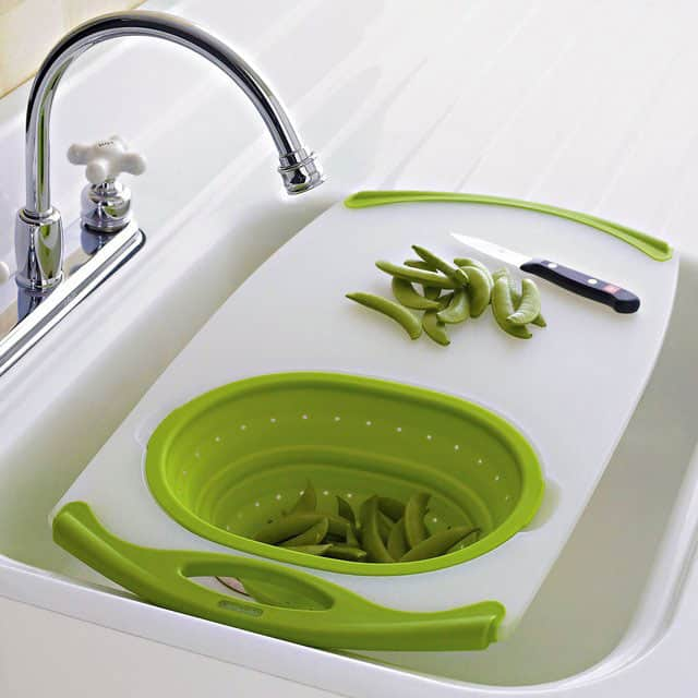 non slip over the sink cutting board with integrated colander
